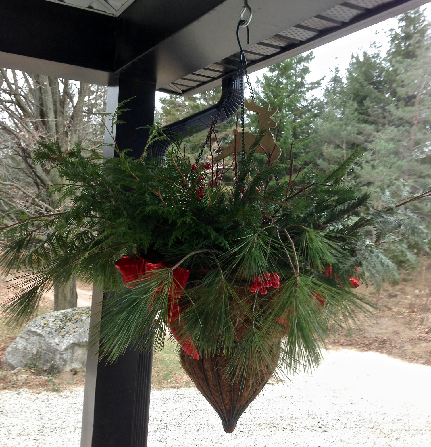 Country Christmas Hanging Basket